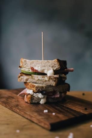 gorgonzola pear ham sandwich